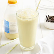 Deliciously Different Very Vanilla Shake and Go