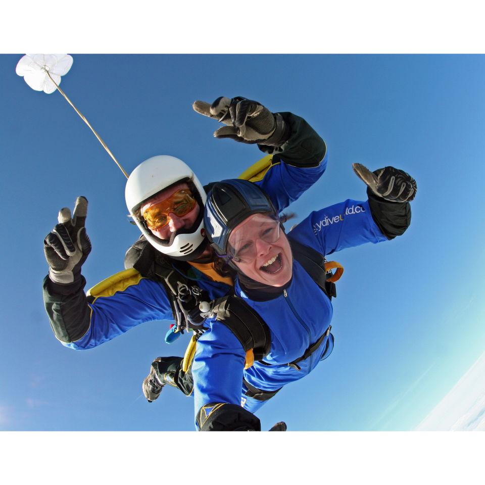 introductory-tandem-skydive-in-devon