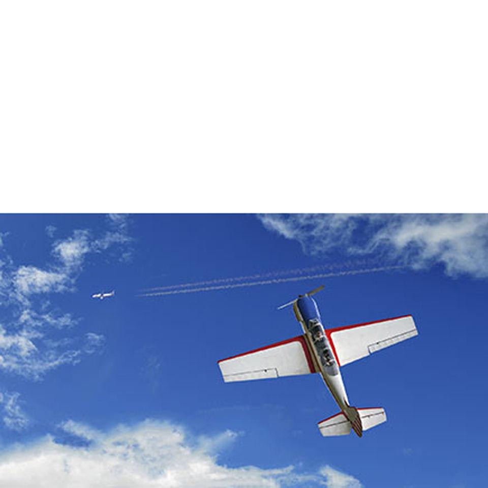aerobatic-stunt-flying