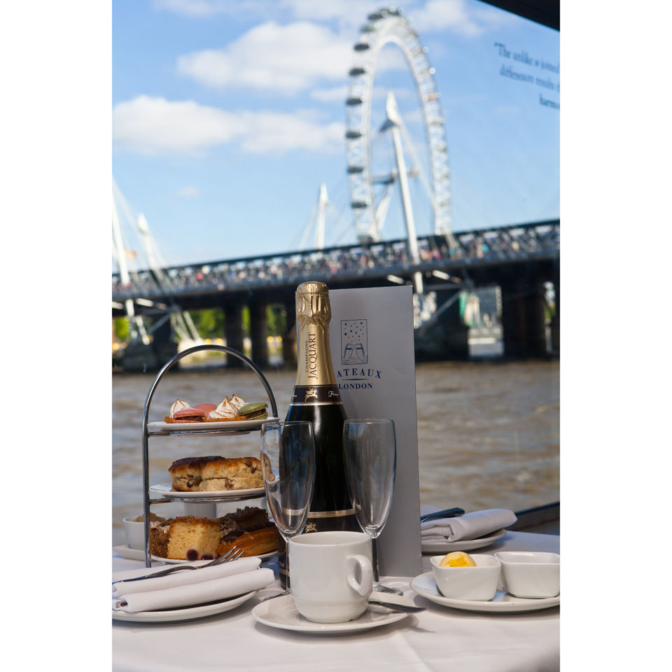 afternoon-tea-cruise-on-the-thames-for-two