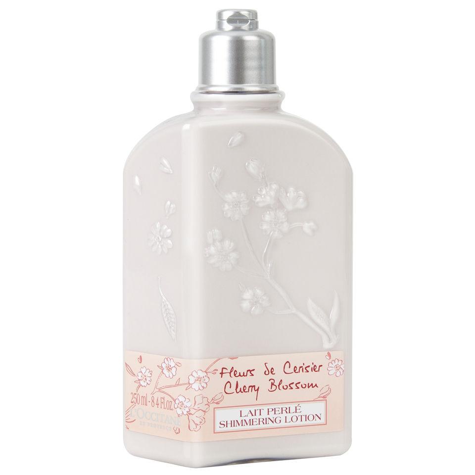 Köpa billiga L'Occitane Cherry Blossom Shimmering Body Lotion online
