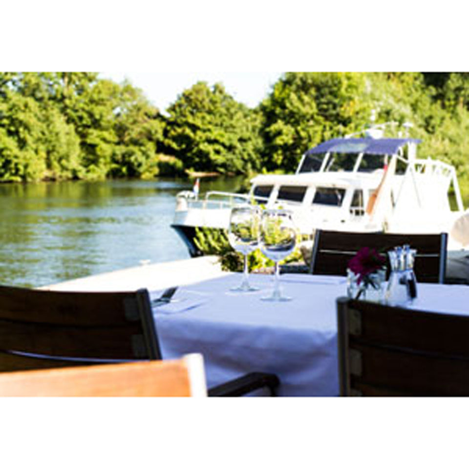 three-course-meal-champagne-cocktail-for-two-at-riverside-brasserie-special-offer