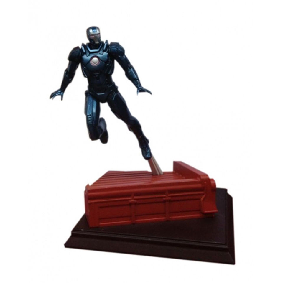 dragon-action-heroes-marvel-iron-man-mark-16-nightclub-124-scale-pre-built-model