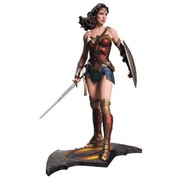 Batman v Superman Dawn of Justice Statue Wonder Woman 33 cm