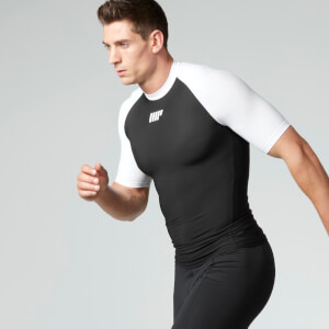 Myprotein 男子压缩短袖运动上衣 - 黑色