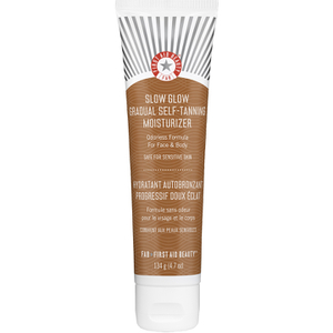 First Aid Beauty Slow Glow Self Tanning Moisturiser (134g)