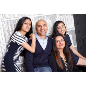 Family Photoshoot with a £50 off voucher - UK Wide Special Offer
