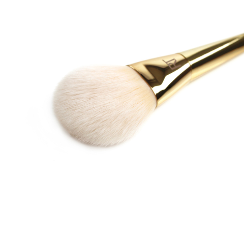 ЧЕРНАЯ ЧЕРНАЯ пятница: Лукфантастик Real Techniques Bold Metals Arched Powder Brush: Image 21