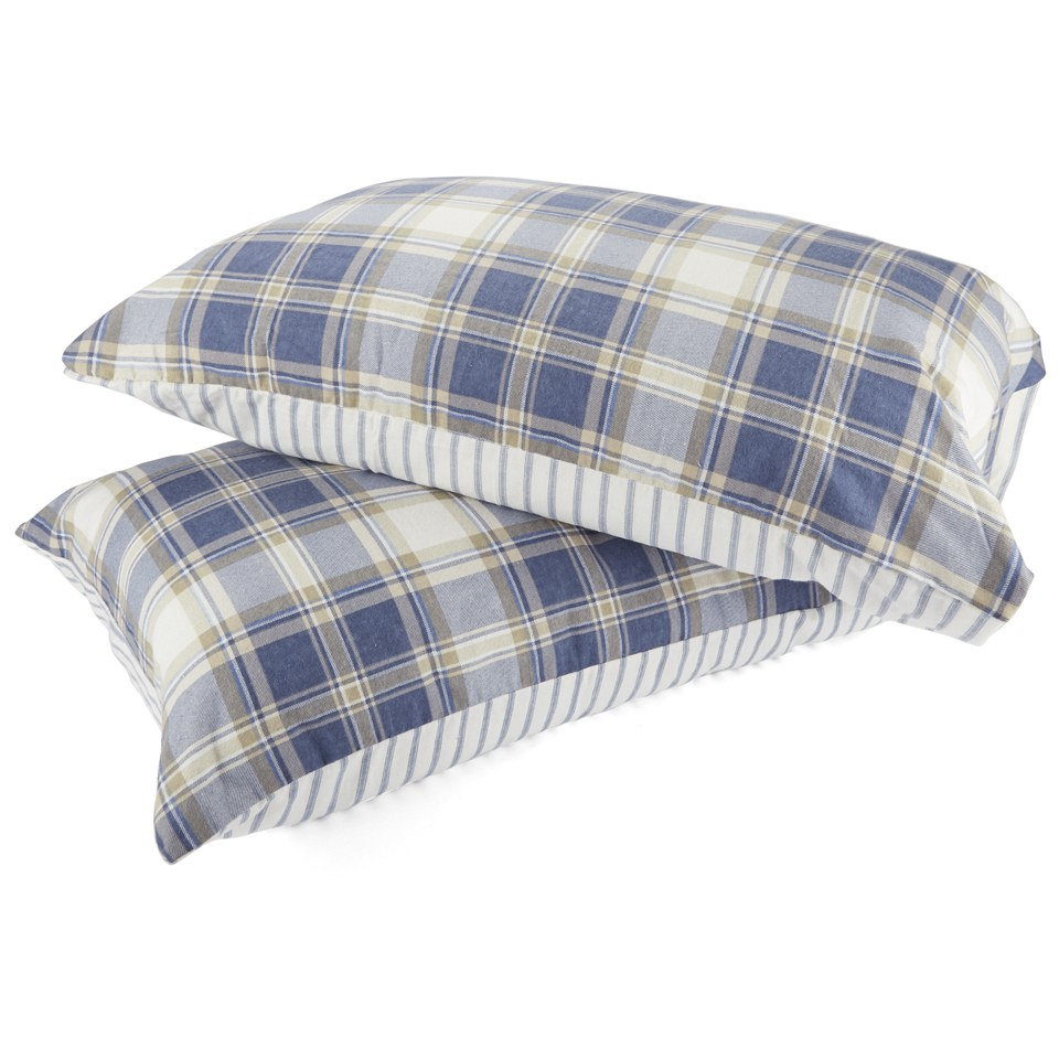 catherine-lansfield-tartan-housewife-pillowcase-pair-navy