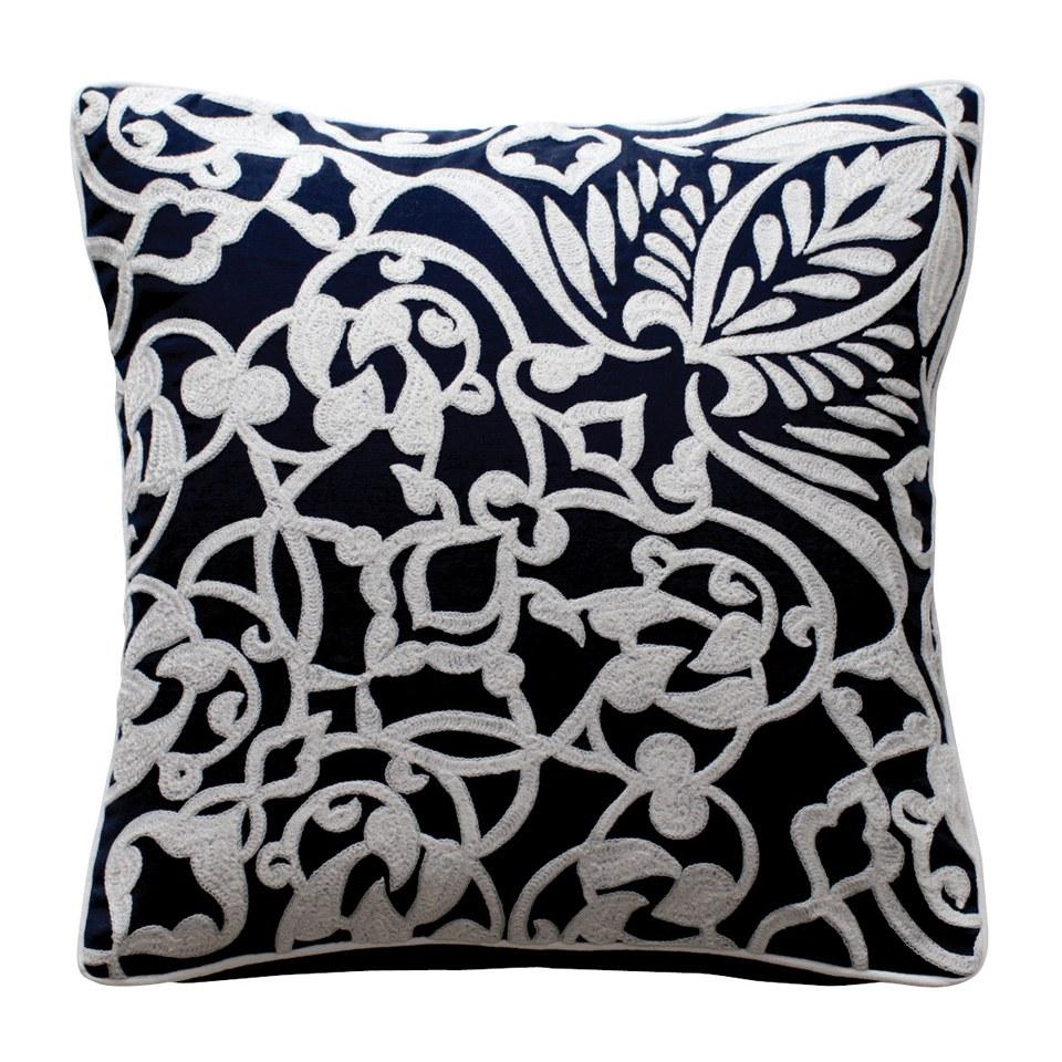 ithaca-cushion-print