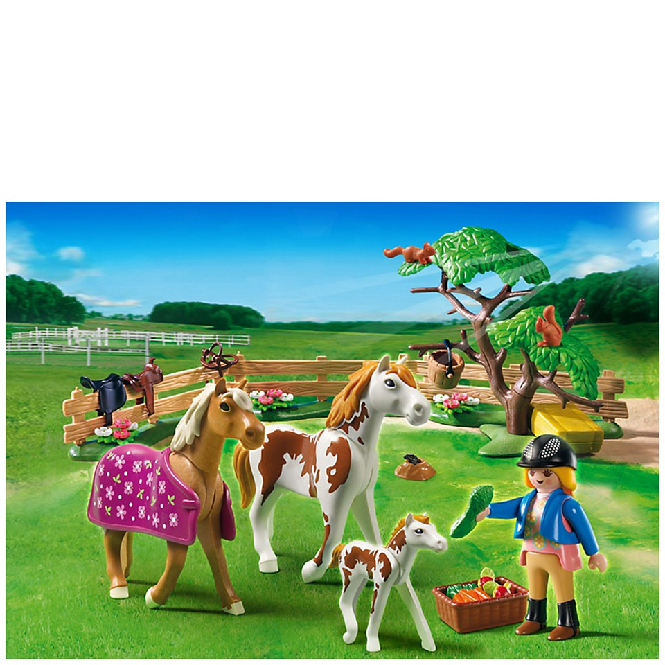 playmobil-horse-farm-paddock-with-horses-pony-5227