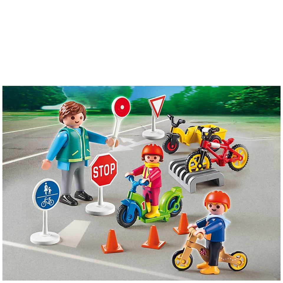 playmobil-pre-school-children-with-crossing-guard-5571