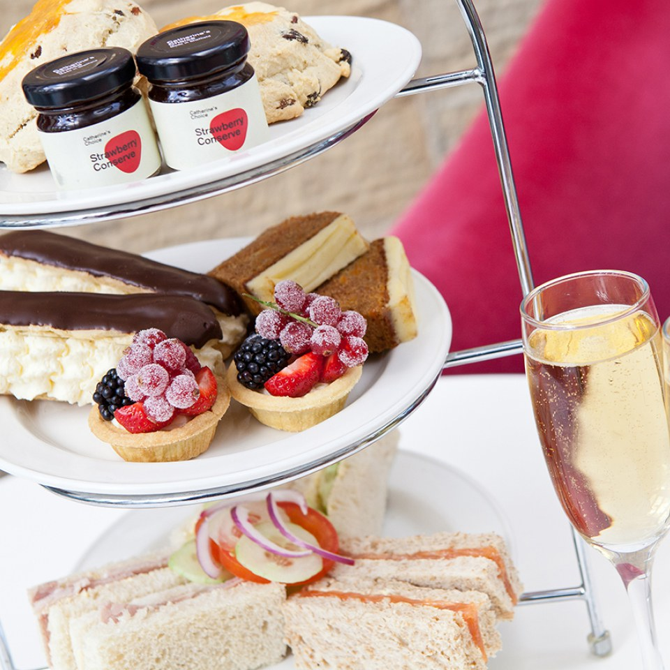 champagne-afternoon-tea-for-two-at-rudding-park