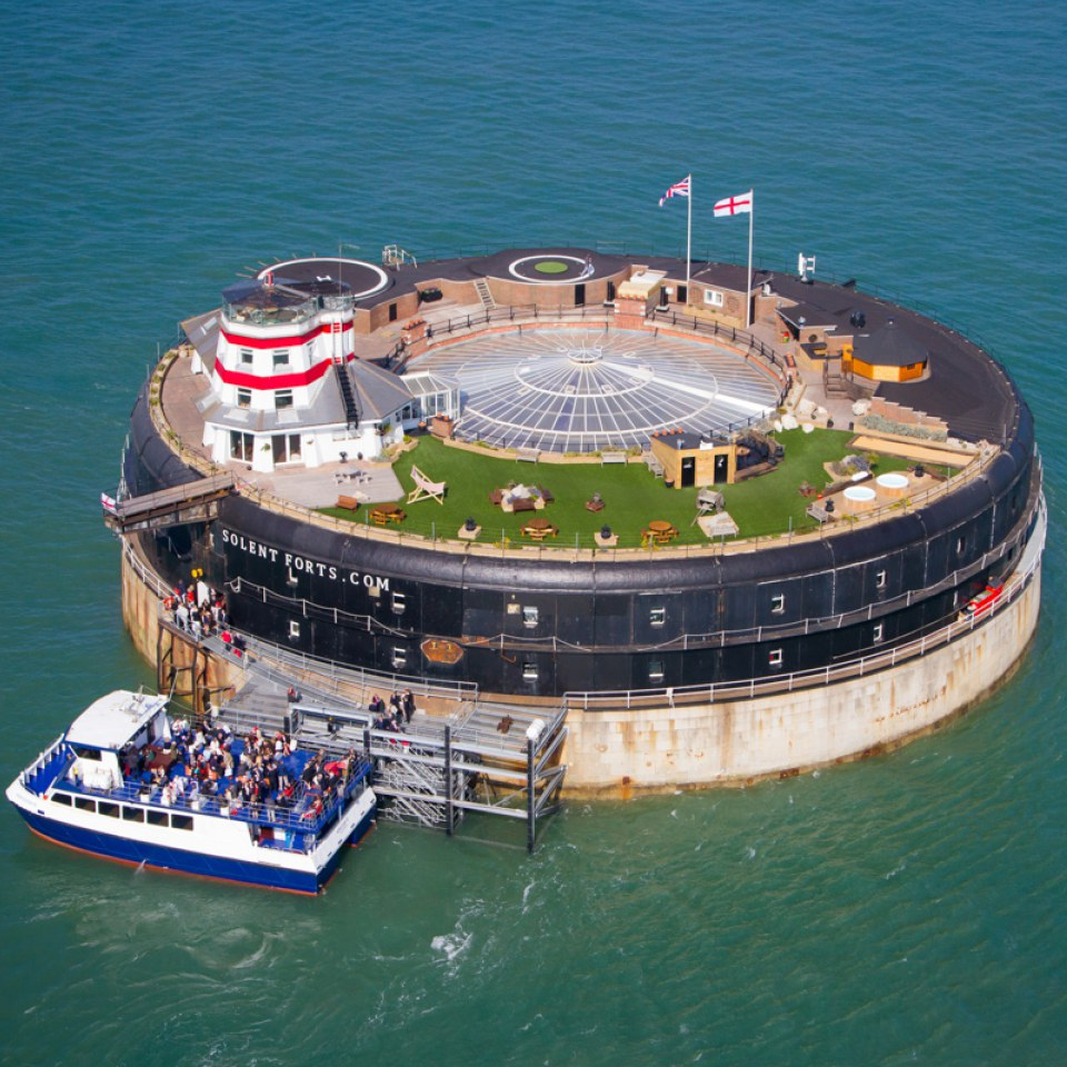 history-tour-lunch-for-two-at-man-fort-in-the-solent