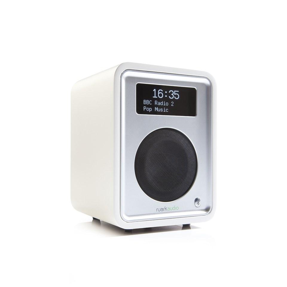 ruark-audio-r1-mkiii-deluxe-table-top-bluetooth-radio-soft-white