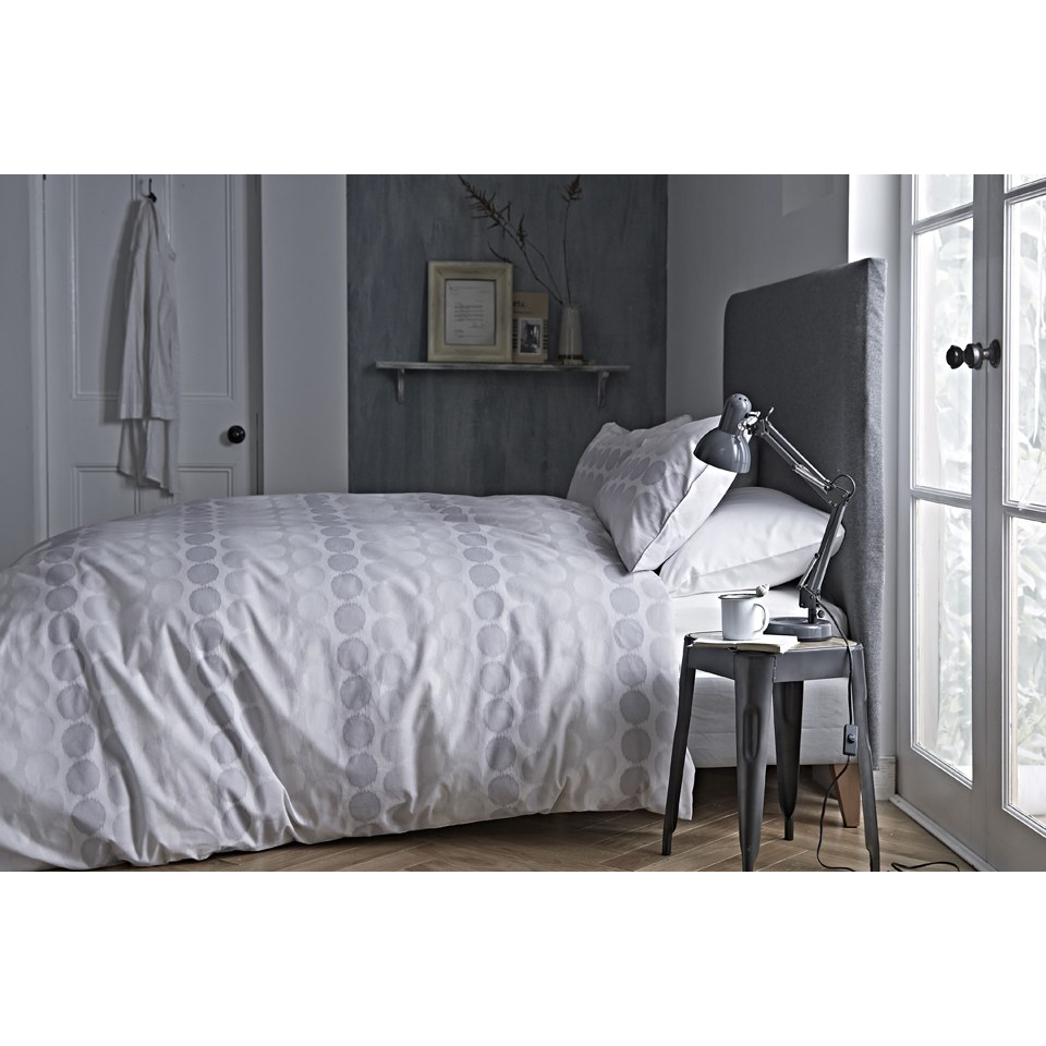 bianca-spot-oxford-pillowcase-grey