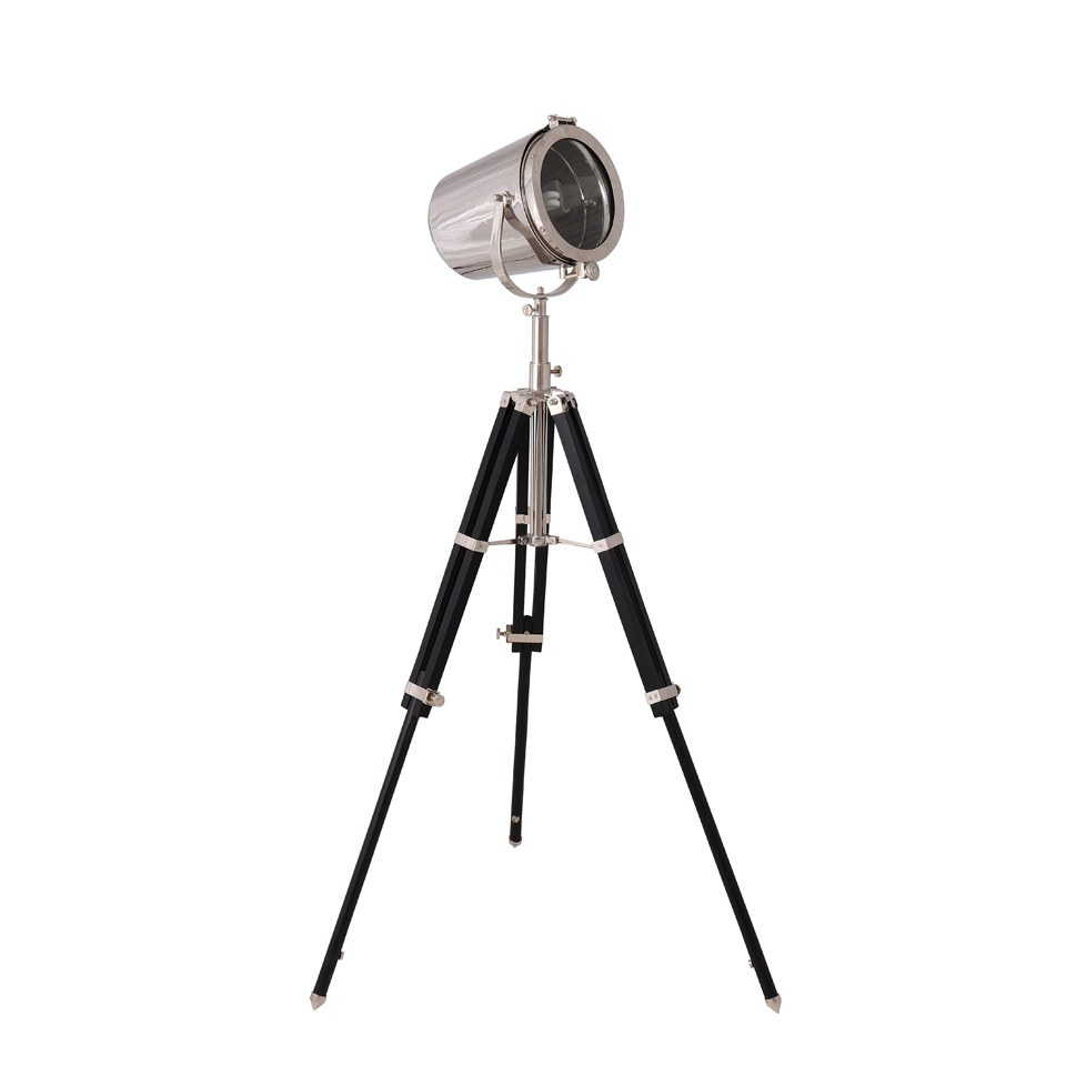 spotlight-on-stand-blackchrome-20422