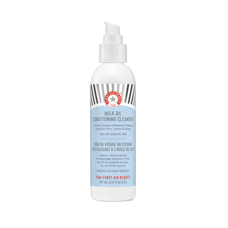 first-aid-beauty-milk-oil-conditioning-cleanser-147ml