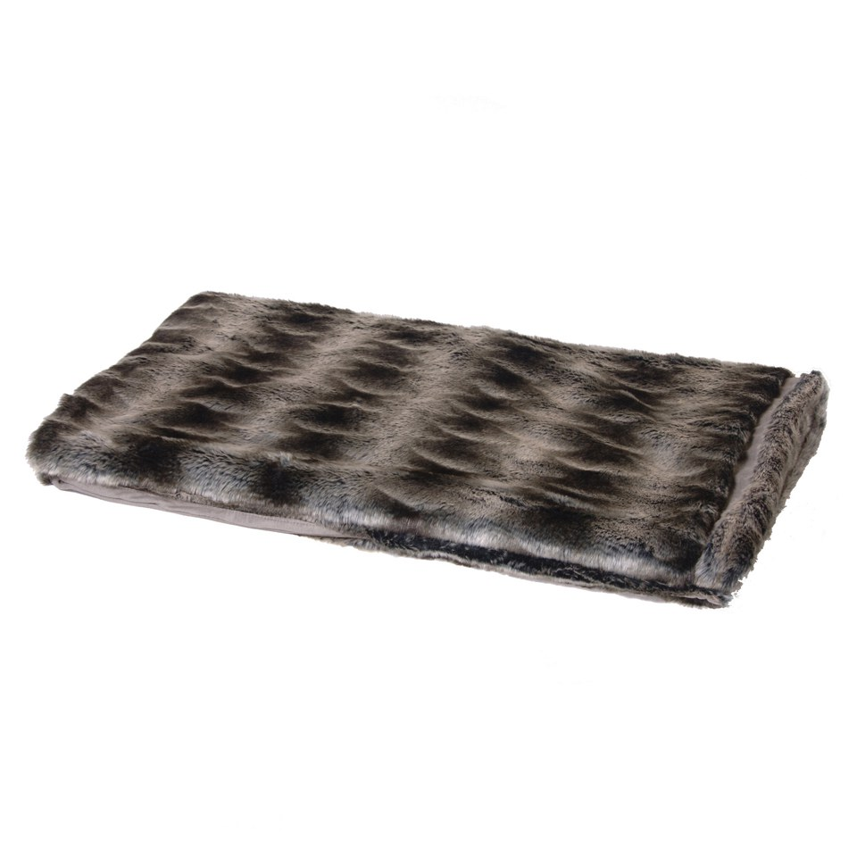 bark-blossom-chunky-faux-fur-throw-with-stripe-effect
