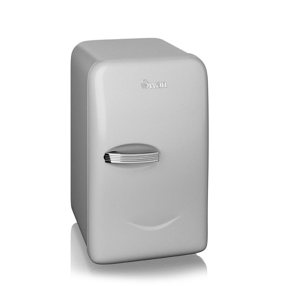 swan-sre10010n-retro-mini-fridge-silver