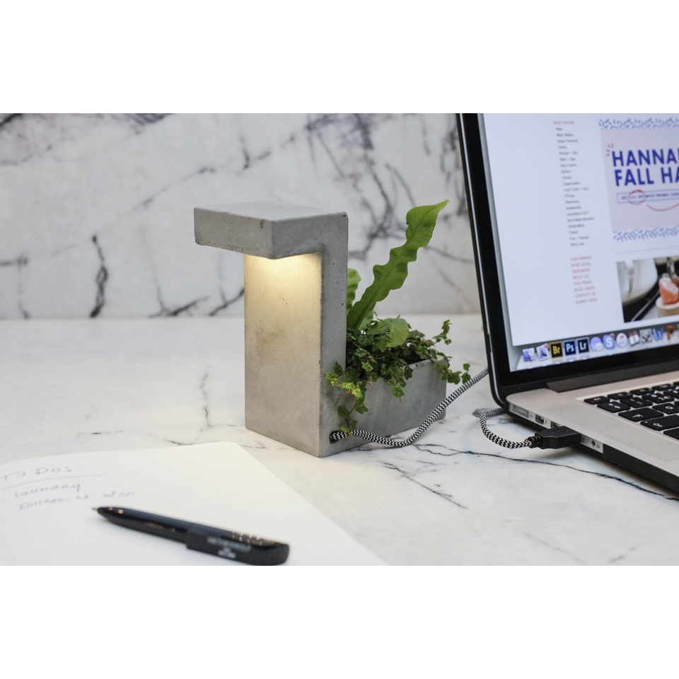 concrete-desk-blok-lamp