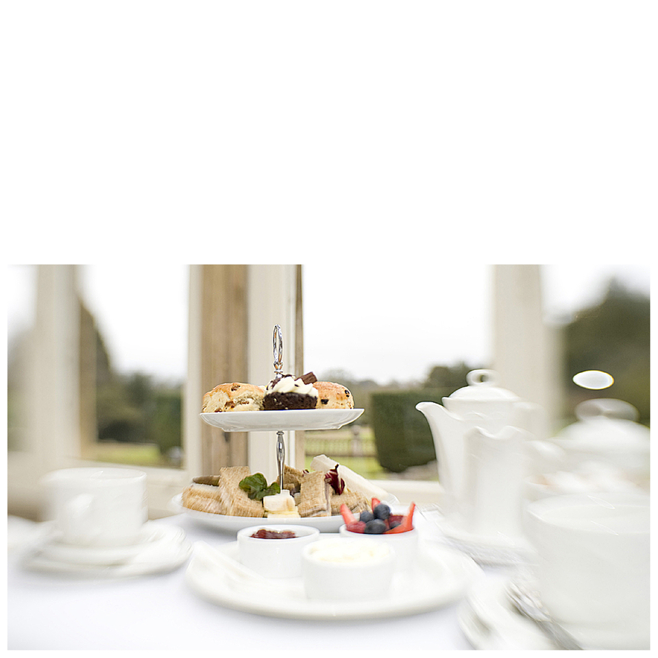 afternoon-tea-for-two-at-stoke-rochford-hall