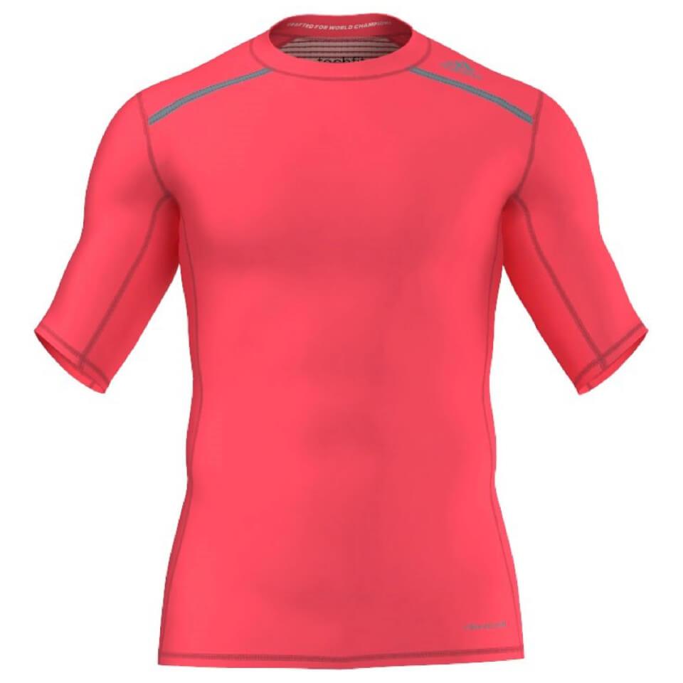 adidas-men-techfit-chill-training-t-shirt-red-s