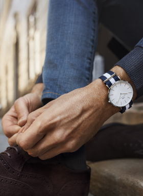 How to style a Daniel Wellington watch - for both men and women. Complement yours with designer handbags and accessories.