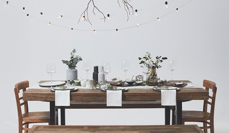 Create a Modern Christmas Table