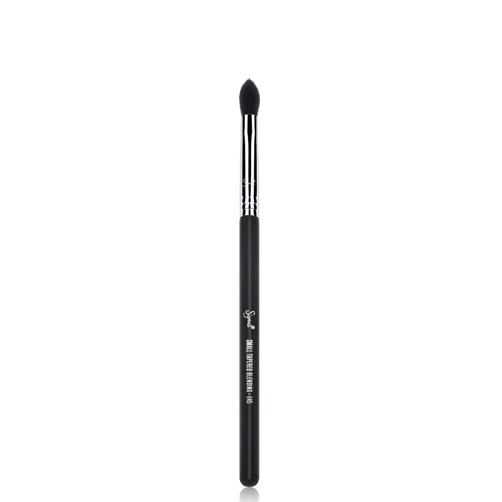Купить Маленькая конусообразная кисть для растушевки теней Sigma Beauty E45 - Small Tapered Blending Brush