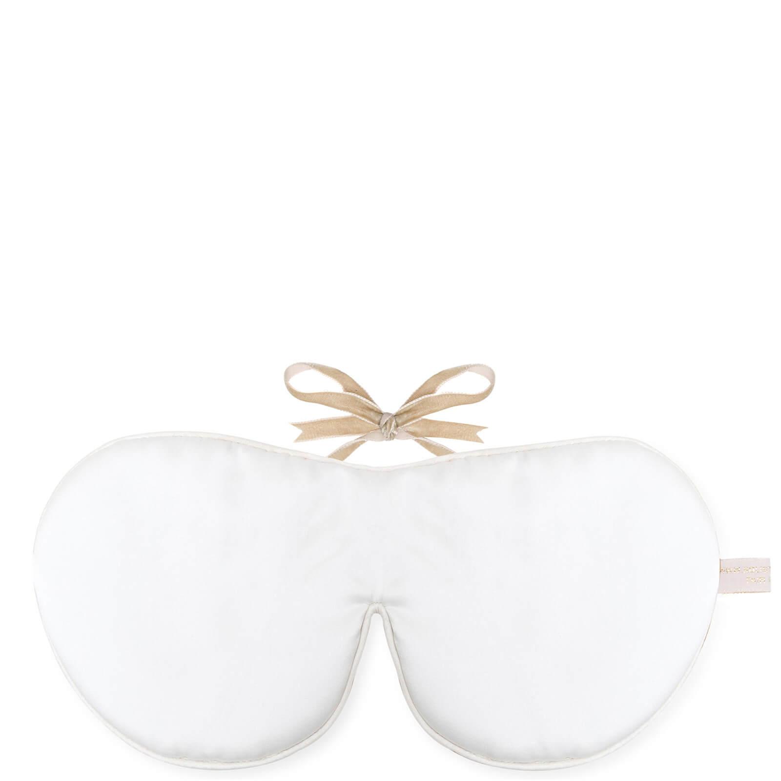 Купить Омолаживающая шелковая ароматизированная маска для глаз Holistic SilkAnti-AgeingEye Mask Scented, белый цвет