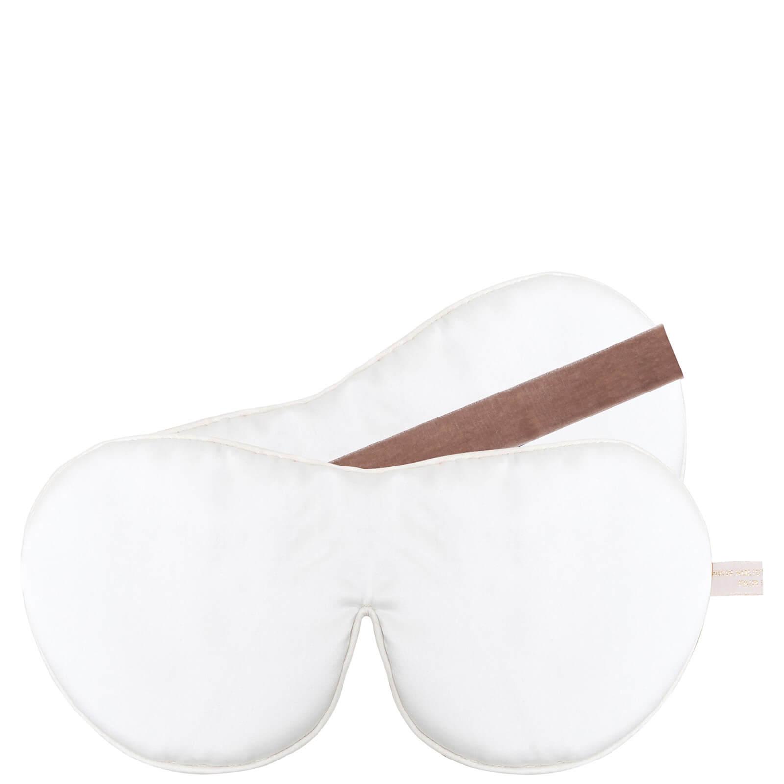 Купить Тканевая маска для глаз против признаков старения Holistic Silk One Strap Pure Silk Anti-Ageing Eye Mask — белая