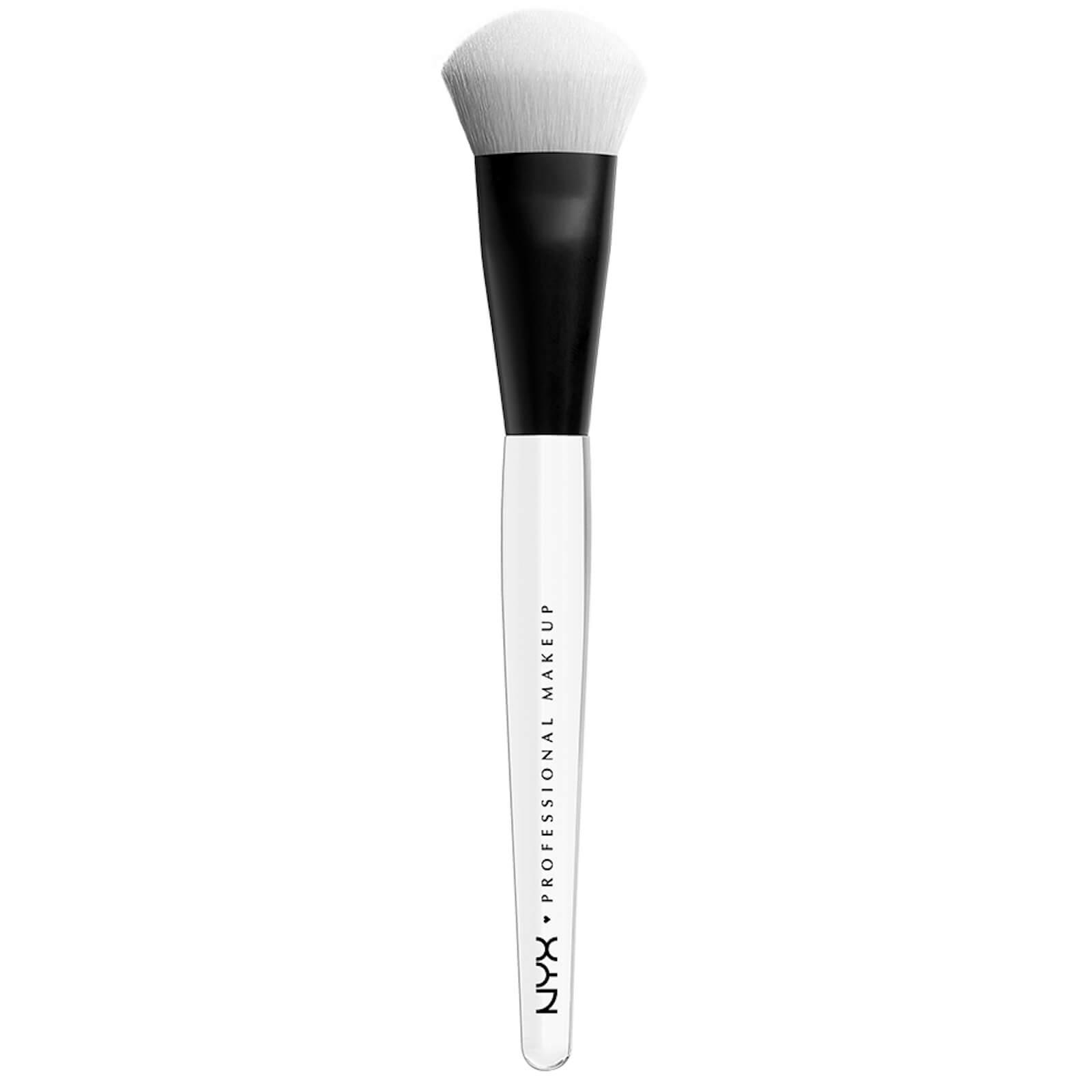 nyx professional makeup high glass illuminating powder face brush
