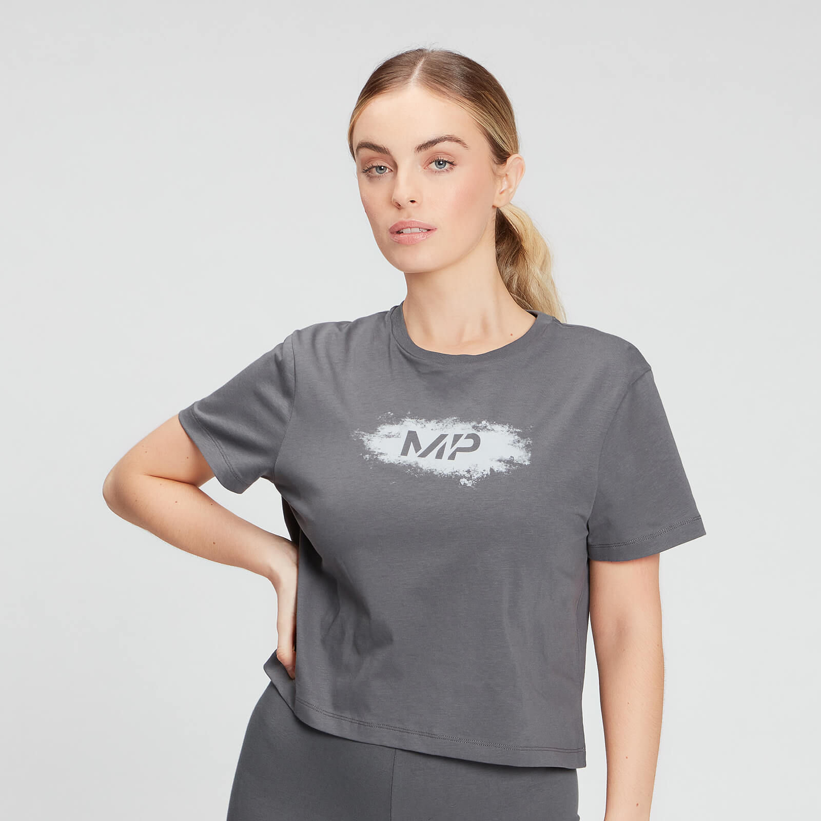 Купить MP Women's Chalk Graphic Crop T-shirt - Carbon - XXL, Myprotein International
