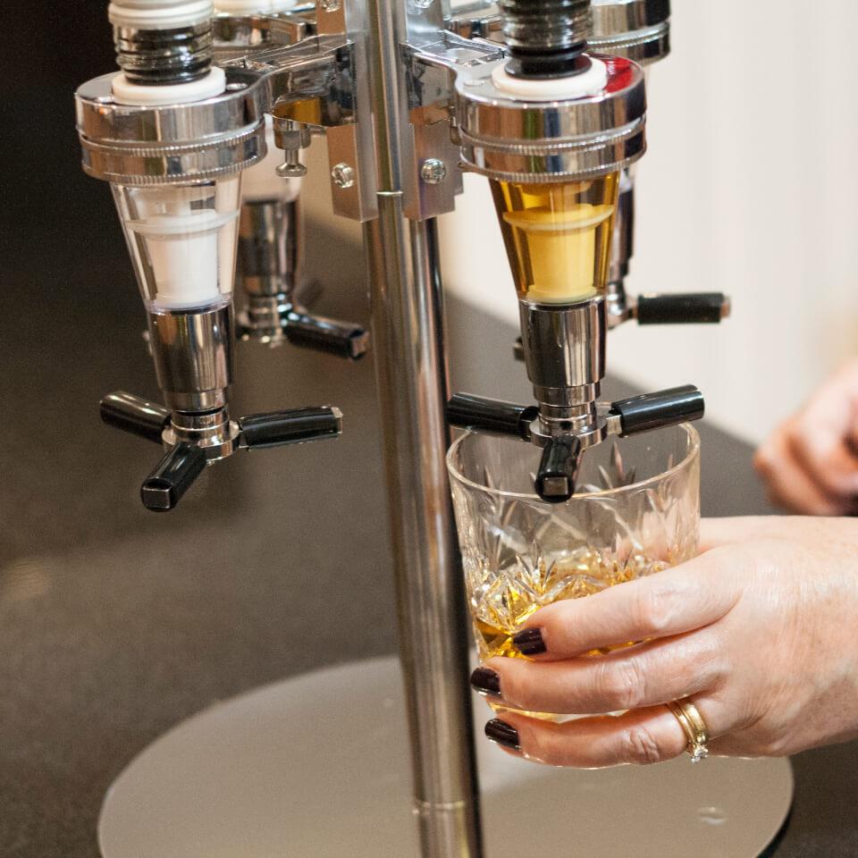 Ausgefallengadgets - Four Bottle Optic Drinks Dispenser - Onlineshop Sowas Will Ich Auch