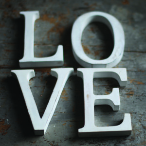 Nkuku Distressed Mango Wood Letters - Distressed White - U (15cm)