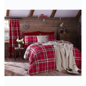 Catherine Lansfield Kelso Bedding Set - Red