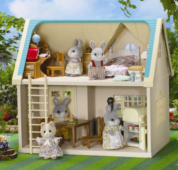 Sylvanian Family Applewood Cottage Toys Thehut Com