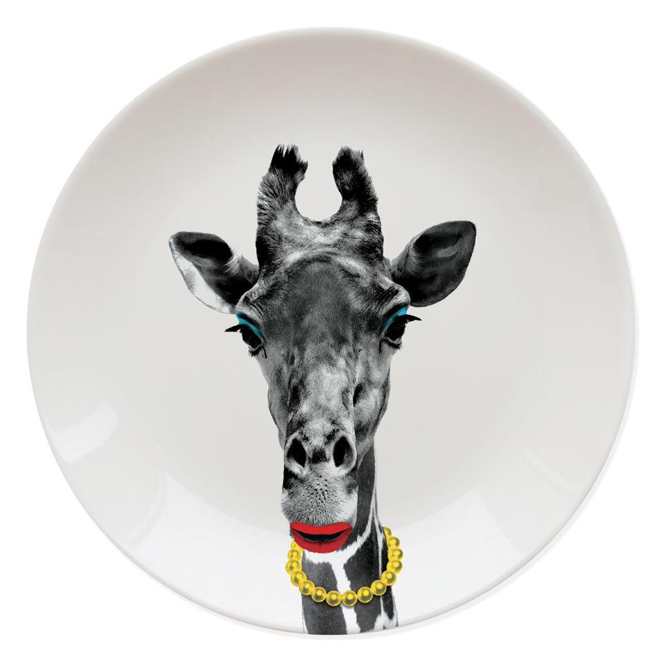 wild-dining-giraffe