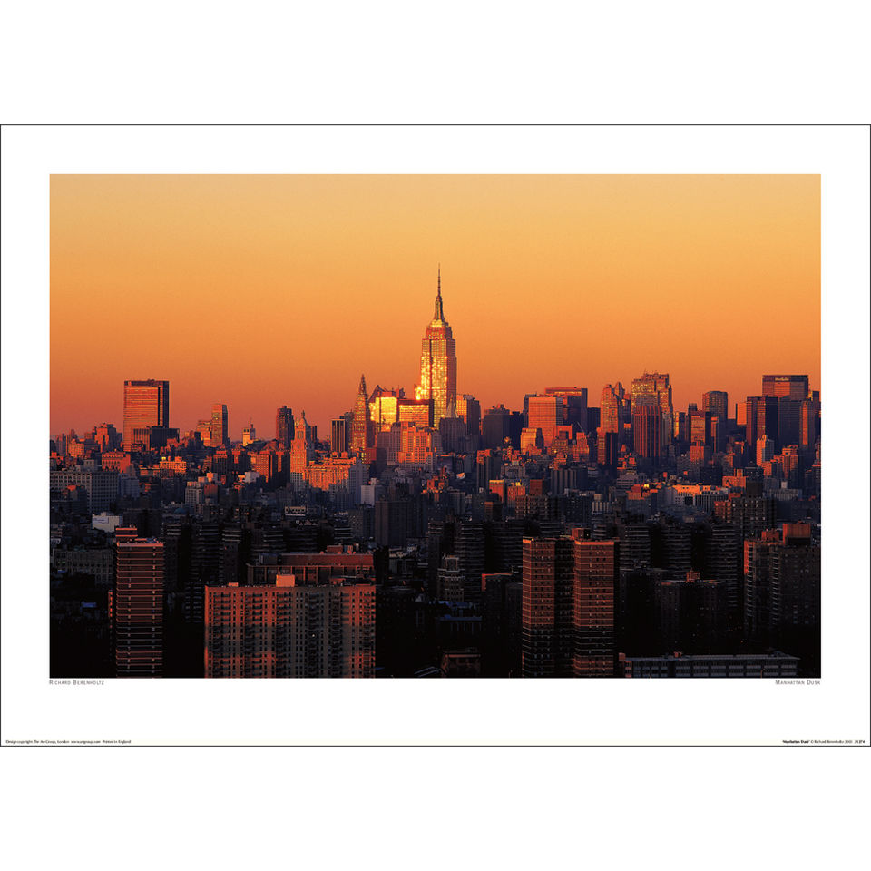 richard-berenholtz-manhattan-dusk-art-print-50x70
