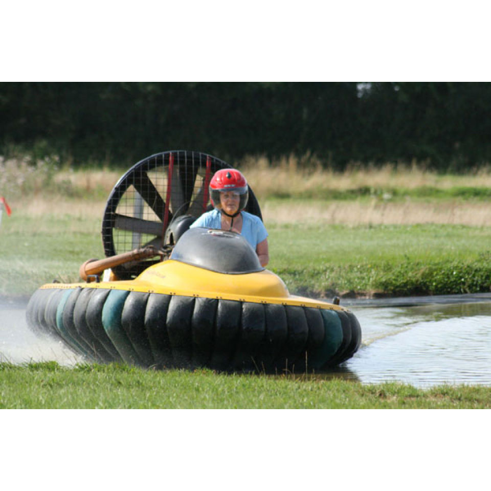 one-hour-hovercraft-flying-experience-for-one