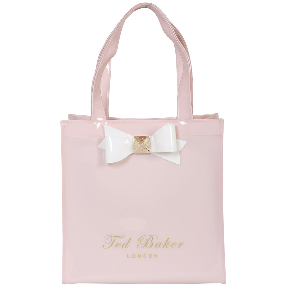 Ted Baker, located at Camarillo Premium Outlets®: Ted Baker London is world-renowned for its stylish and sophisticated menswear, womenswear, accessories (and everything in between), and loved for its quality and distinctive use of design and colour.