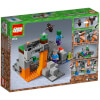 LEGO Minecraft: The Zombie Cave (21141): Image 3