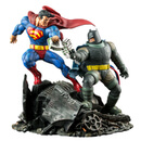 DC Collectibles The Dark Knight Returns: Superman Vs. Batman Statue