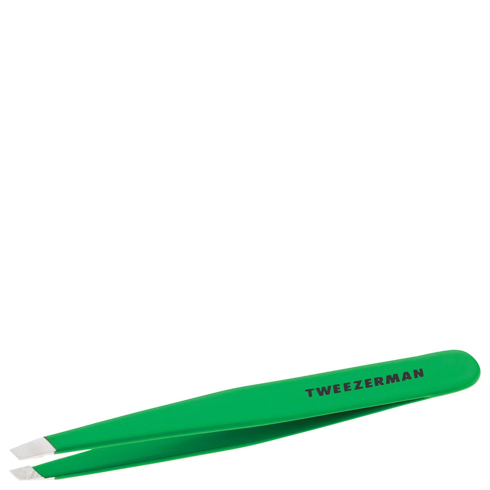 Купить Tweezerman Slant® Tweezer- Apple Green