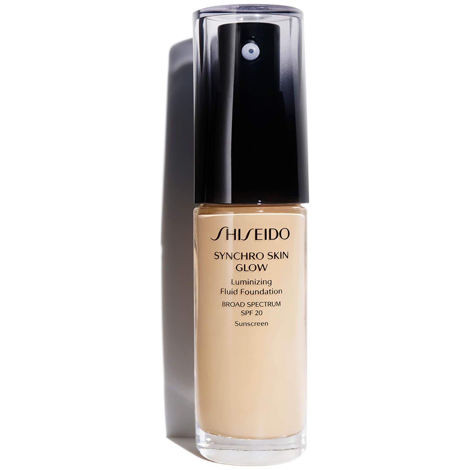 Тональное средство с эффектом естественного сияния Shiseido Synchro Skin Glow Luminizing Foundation 30 мл (различные оттенки) - Golden 2