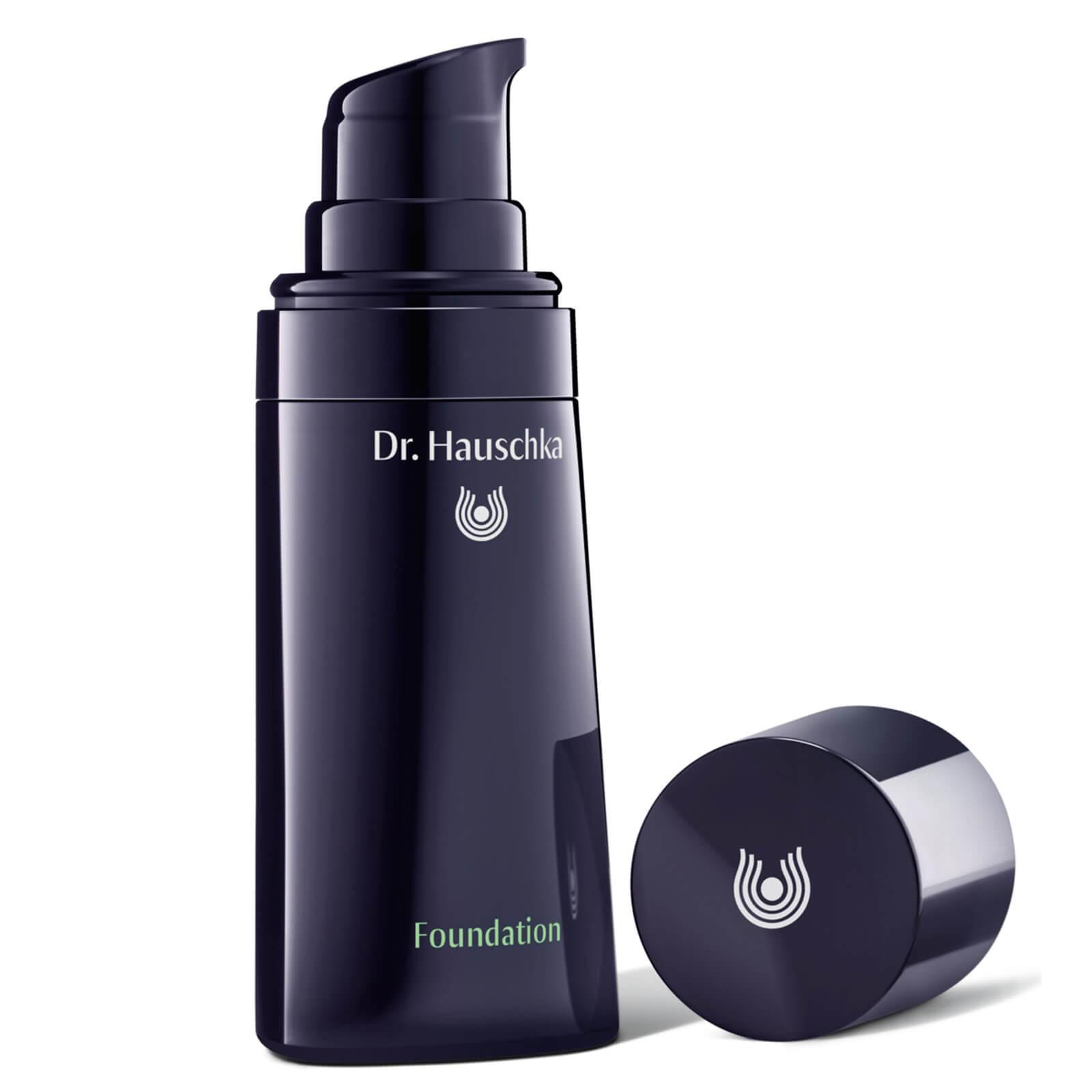 Купить Основа под макияж Dr. Hauschka Foundation - Macadamia