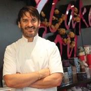 Cupcake Decorating with Eric Lanlard at Cake Boy, London