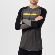 Under Armour Men's Perpetual Fitted Long Sleeve Top - Black/Metallic Gold - L - Black