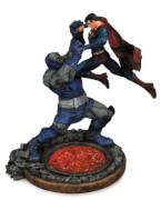 DC Statue Superman vs Darkseid